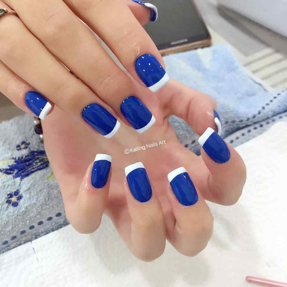 uñas azules francesa blanca