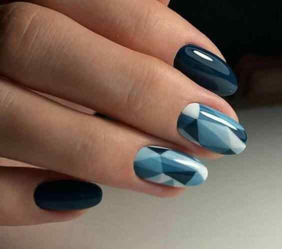 uñas azules geometricas