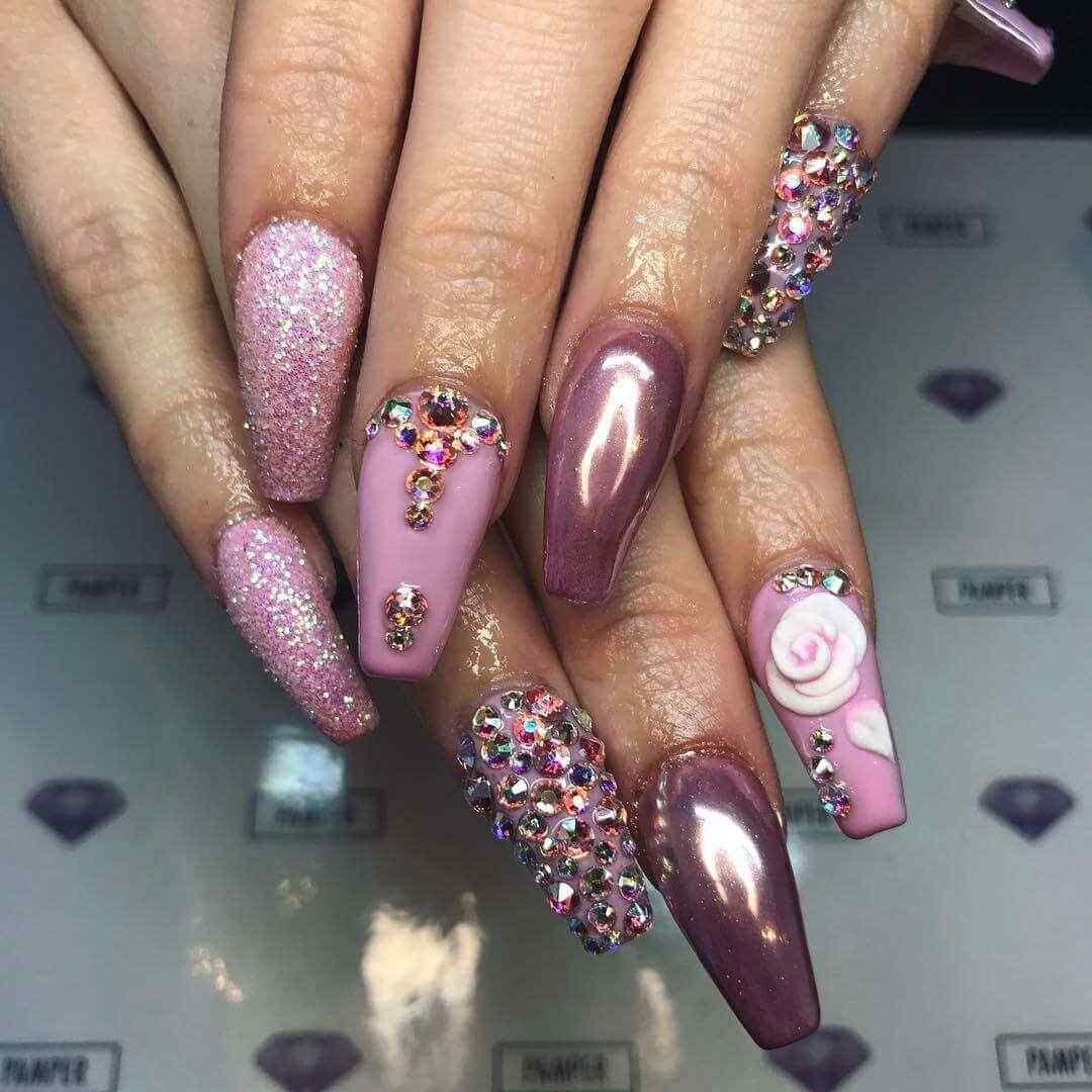 diseño de uñas purpura