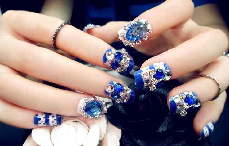 uñas azules elegantes para boda