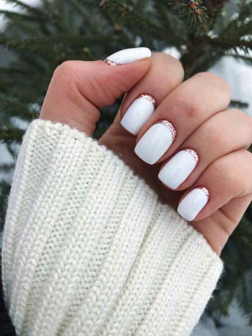 uñas blancas sencillas para novia