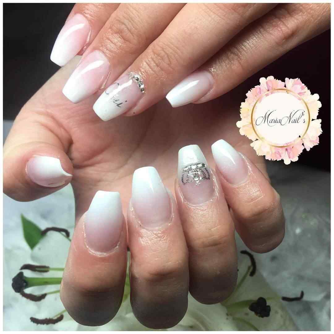 uñas blanco degradado para boda