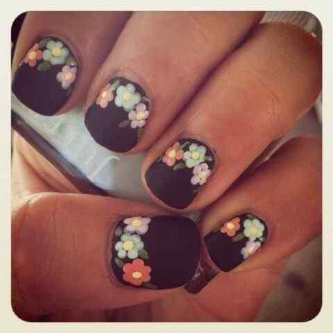 unas con flores (1)