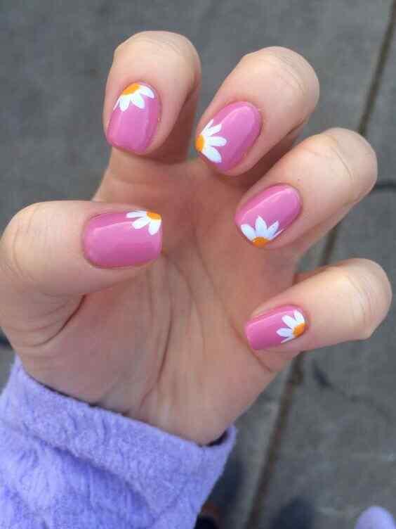 uñas con flores faciles