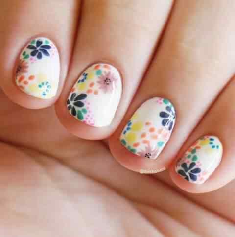 uñas con flores para ninas