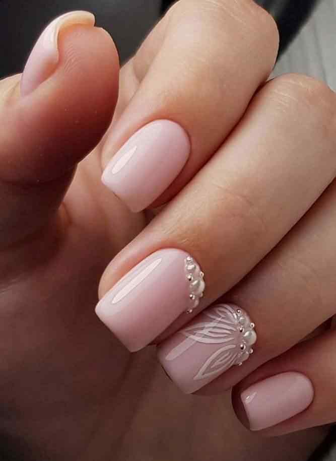 uñas cortas color nude para novia
