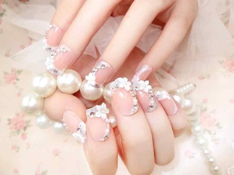 uñas para novia decoradas con flores