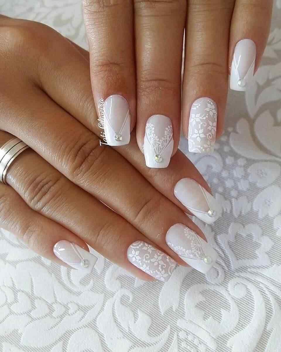 uñas para novia blancas estampadas