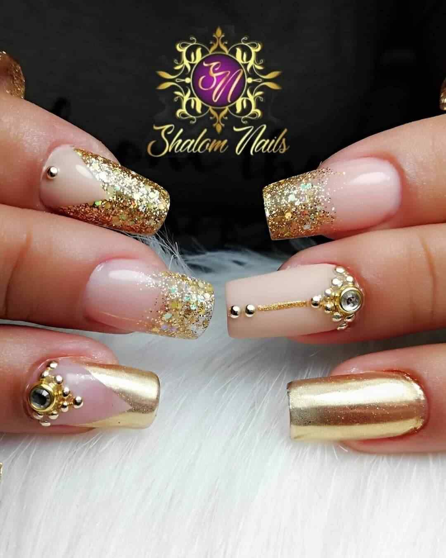 uñas para novia color dorado