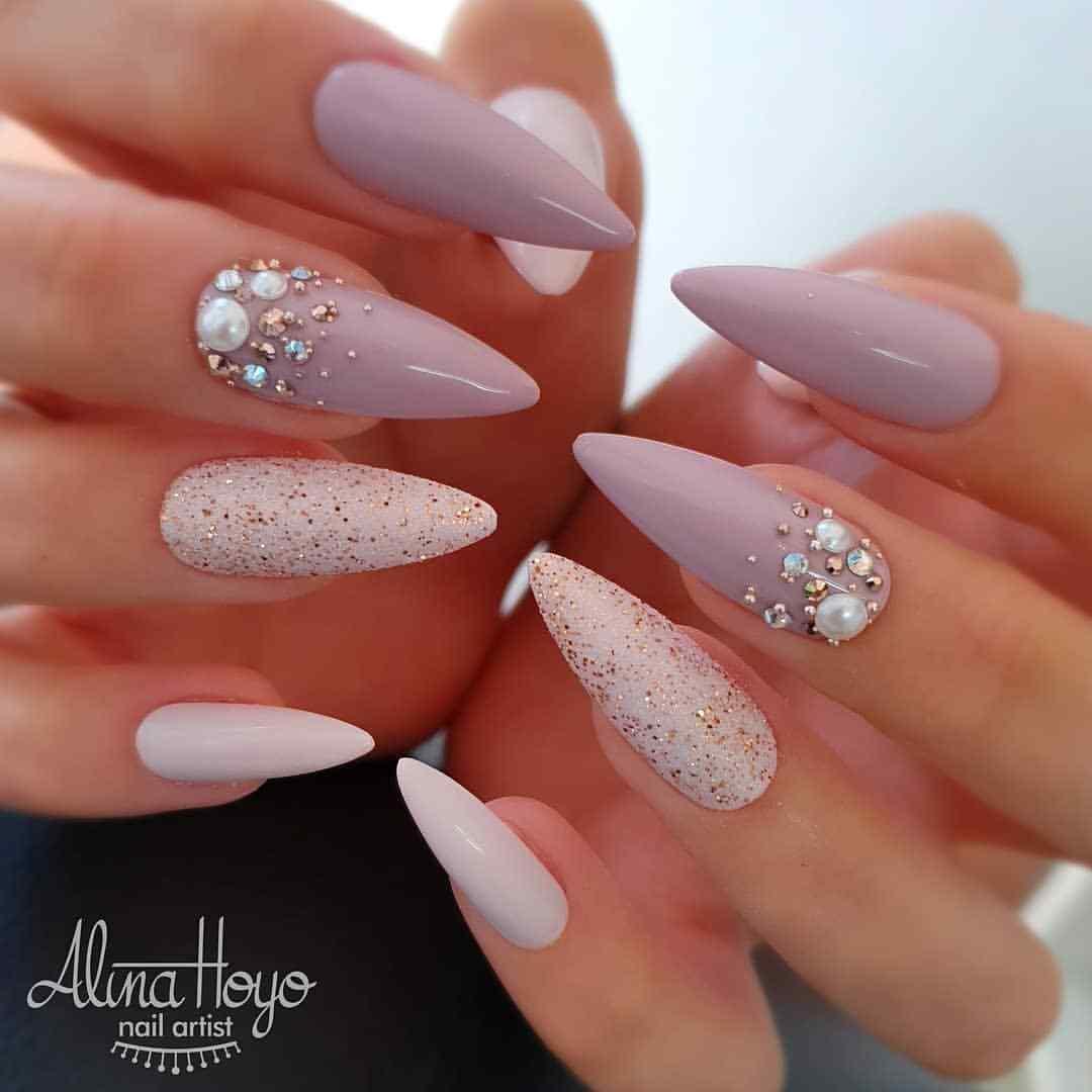 uñas para novia rosa palo con pedreria