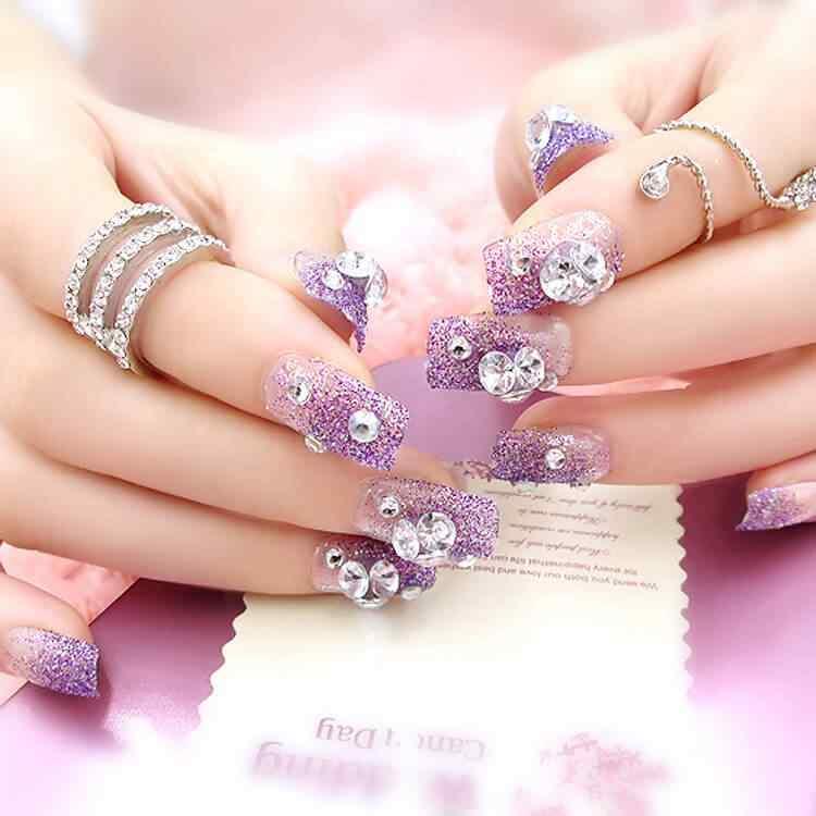 uñas purpura para boda