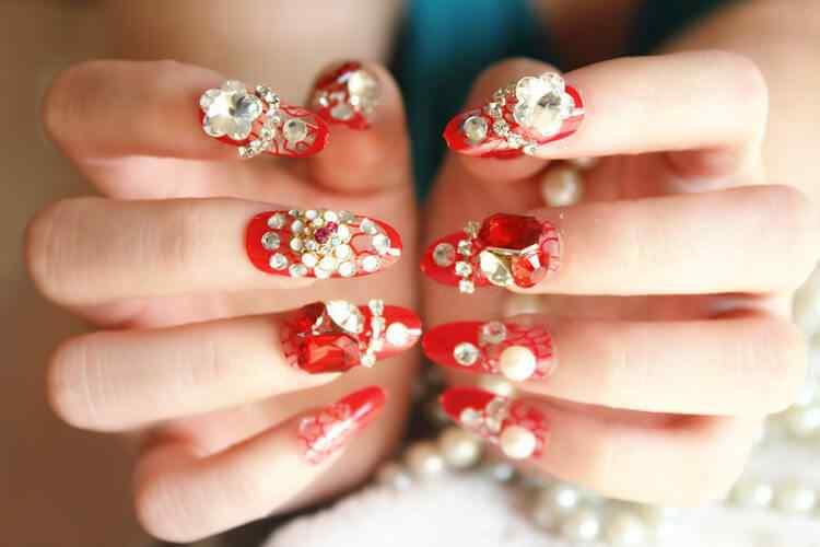 uñas rojas elegantes para boda