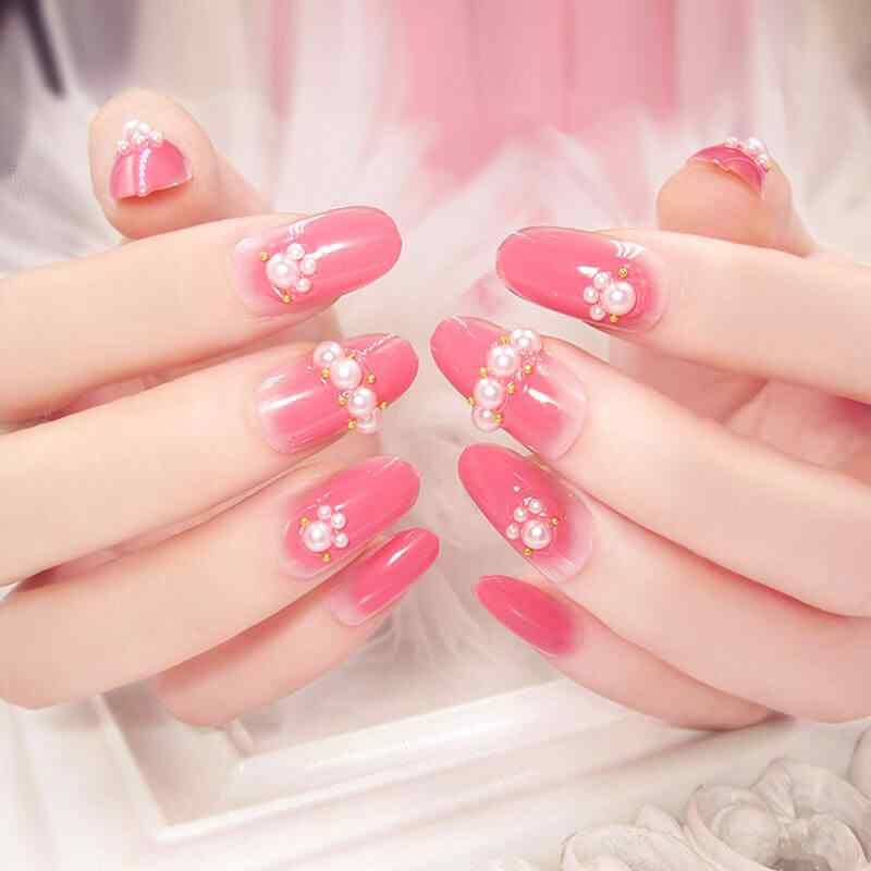 uñas rosa con perlas para boda