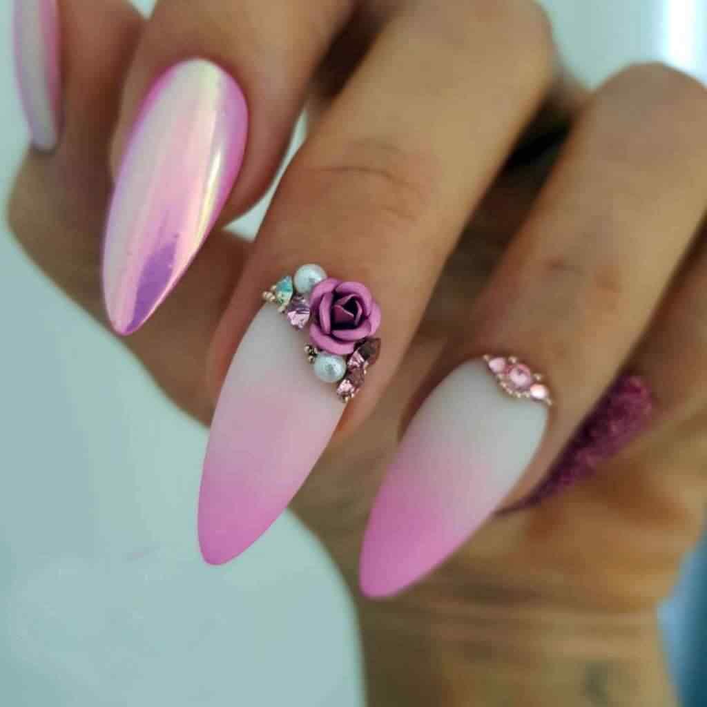 uñas rosa con piedras y flores para novia
