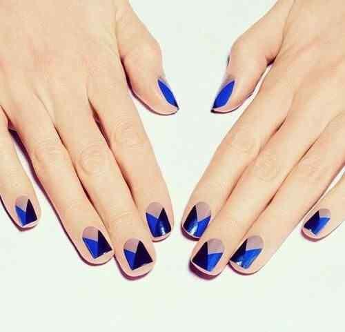 pintar unas color azul (12)