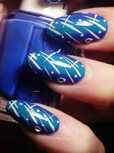 unas de color azul (13)