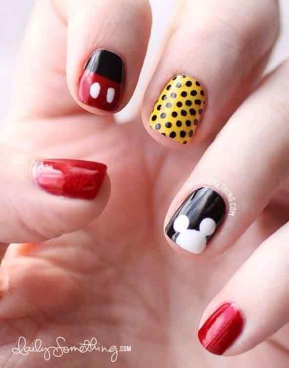 Uñas mickey mouse