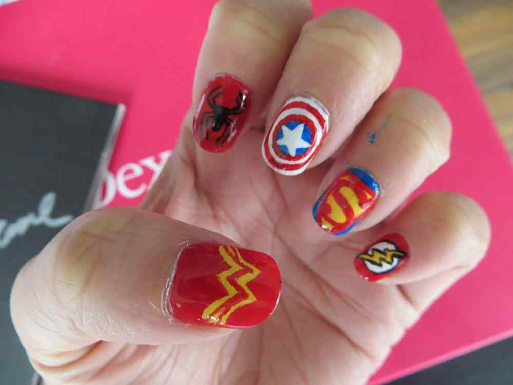 Superheroes nailart