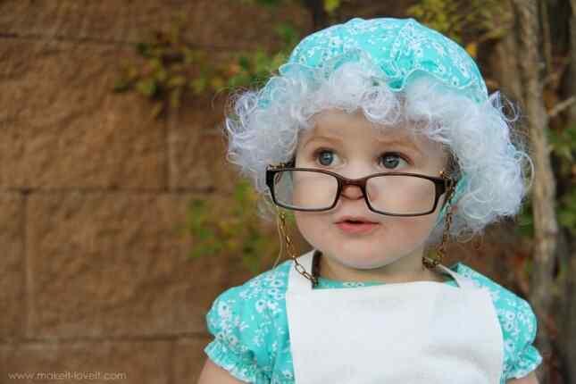 14-Granny-halloween-costumes