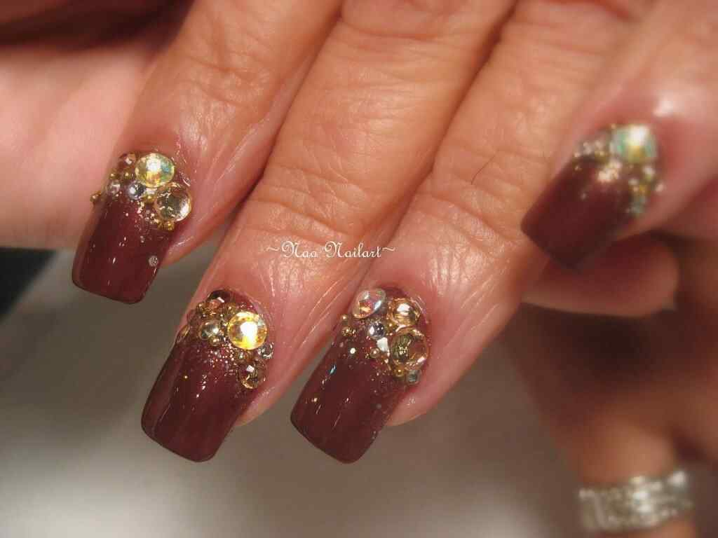 Brown nails (1)