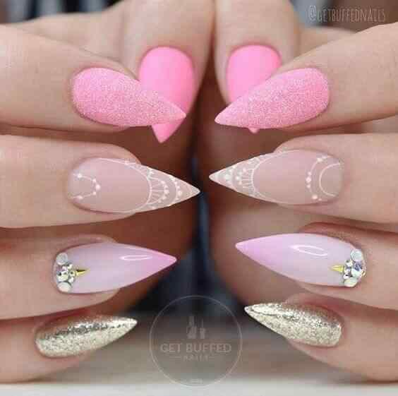 uñas largas rosa