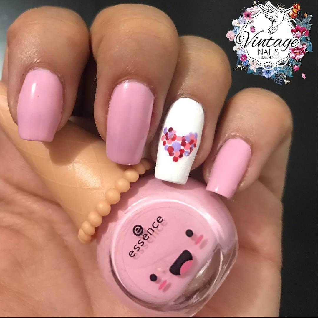 Diseño de uñas de san valentin