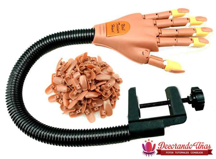Mano de practica articulada para manicura - Nail training hand