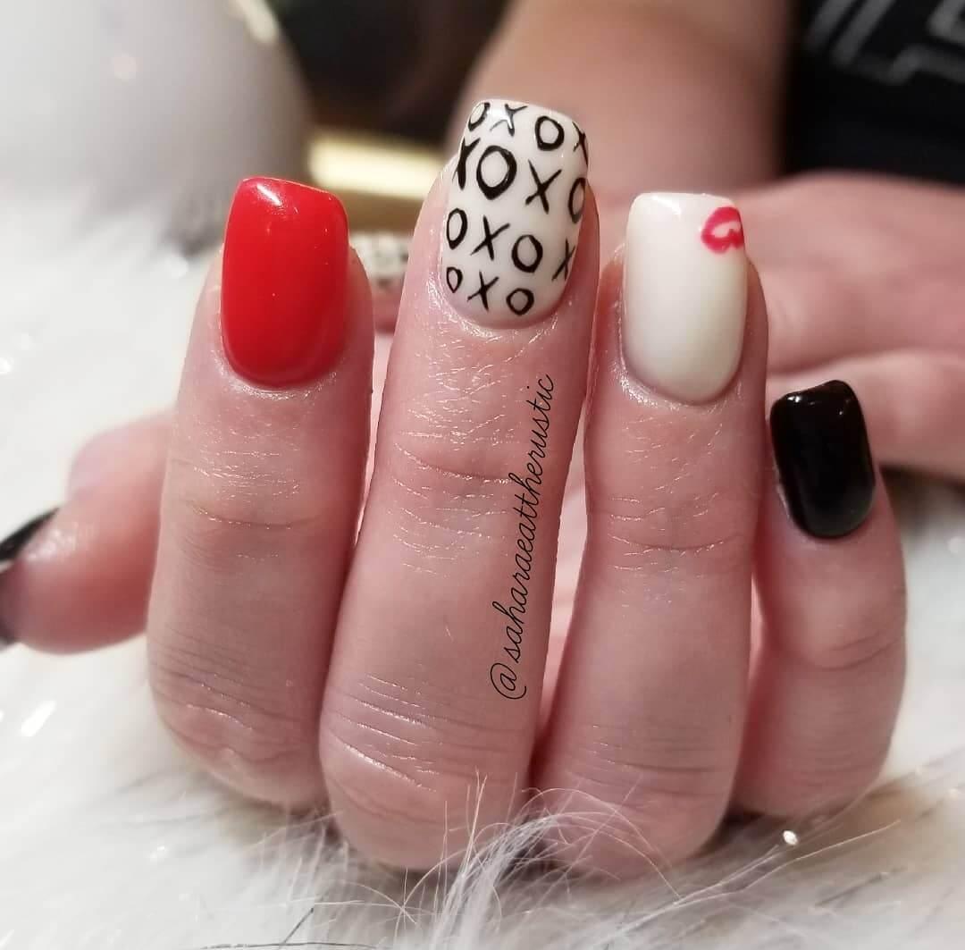 uñas decoradas para el 14 de febrero