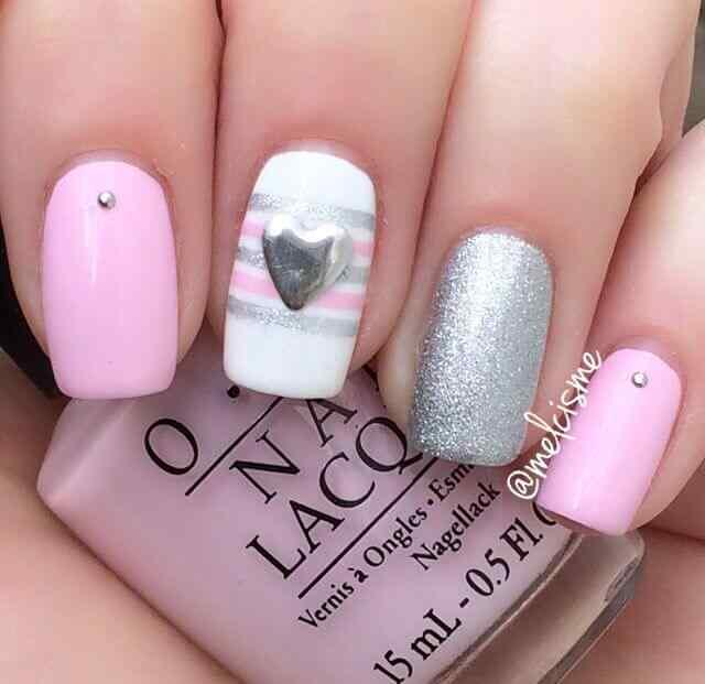 Uñas para 14 de febrero rosa y plata
