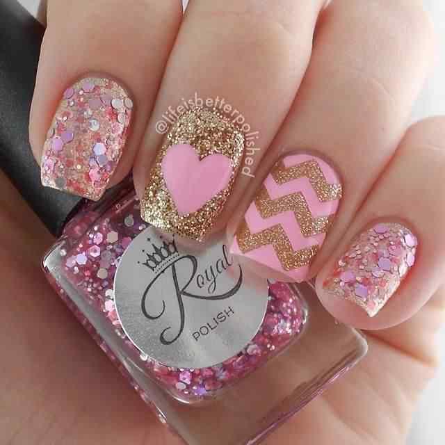uñas san valentin rosa y dorado