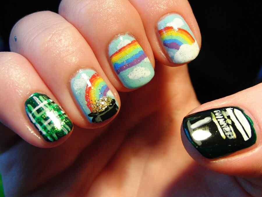 Uñas de arco iris para san patricio