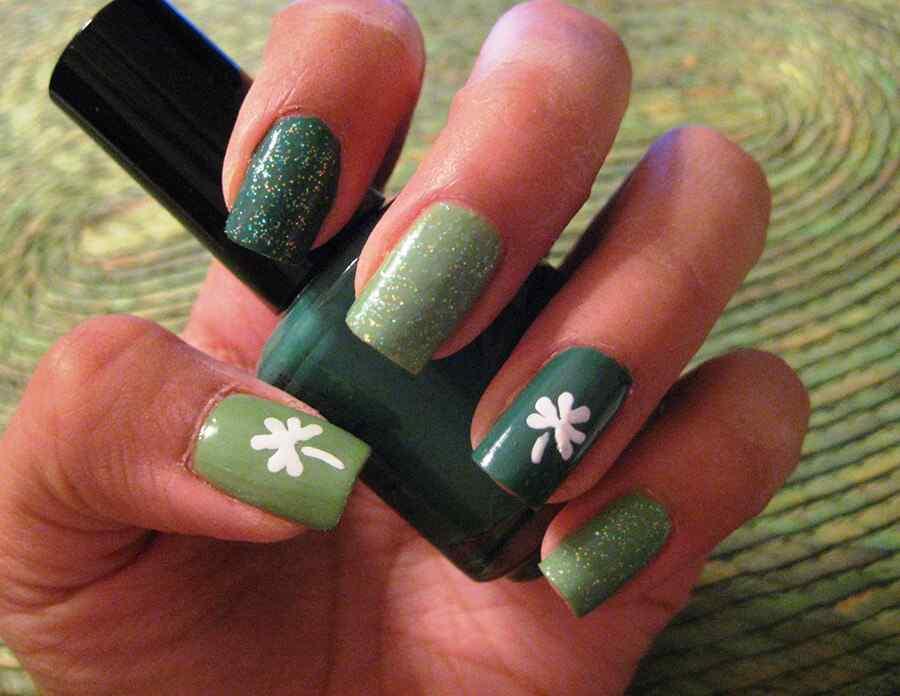 Decoracion de uñas para el dia de San Patricio