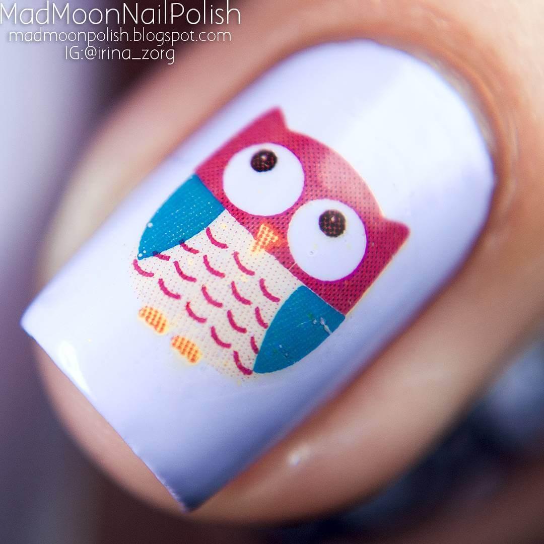estampado de uñas con buhos