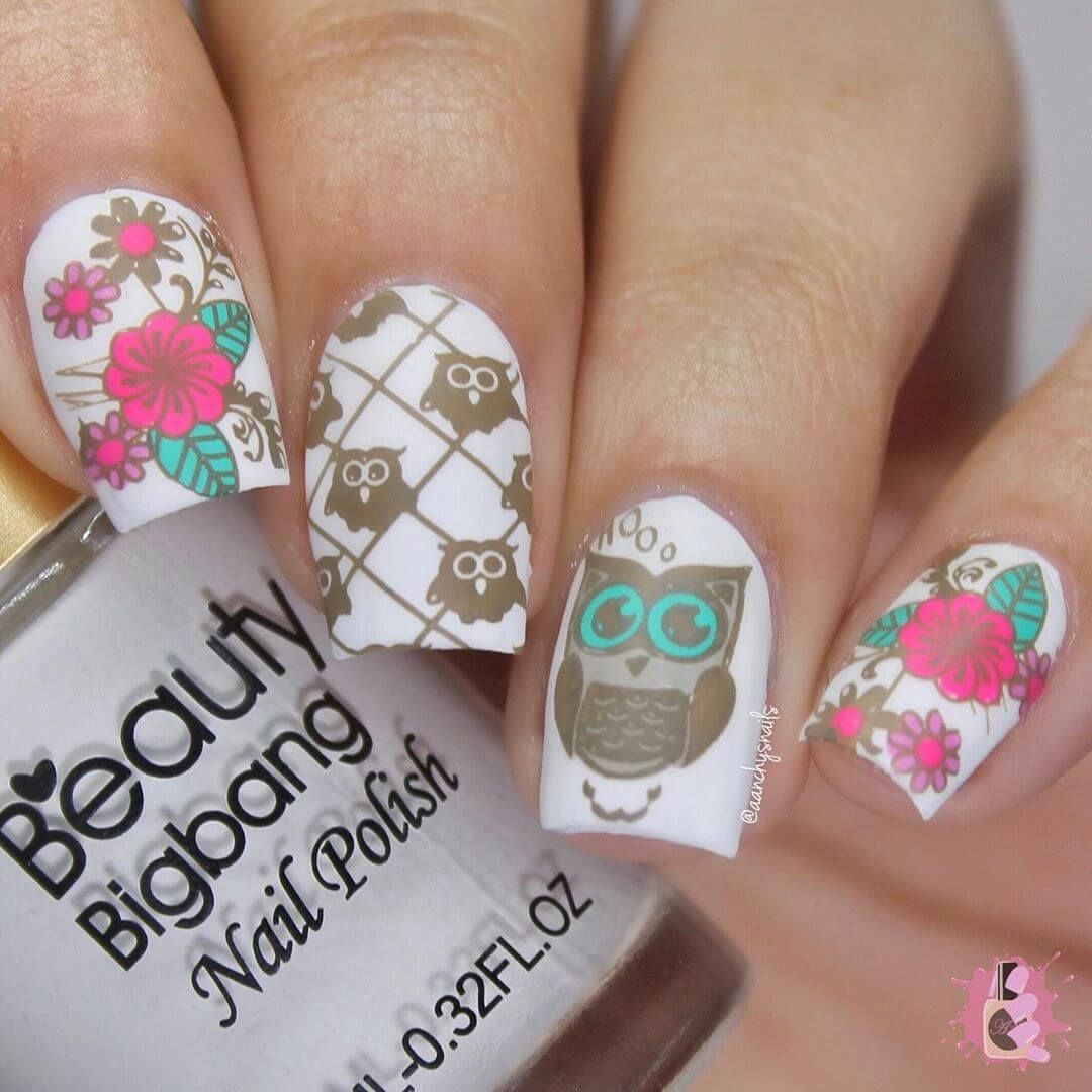 uñas decoradas estampado de buhos