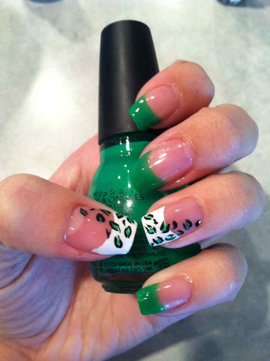 Diseño de uñas de san patricio