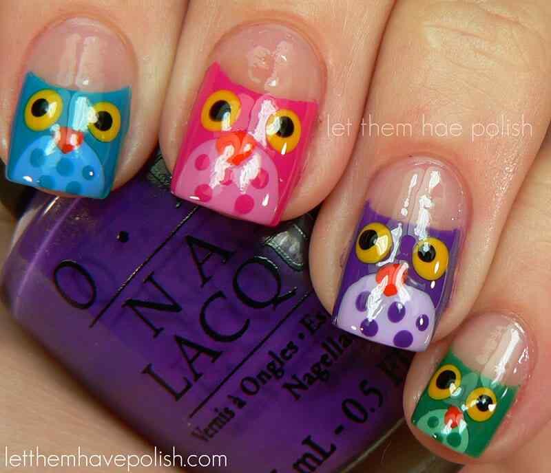 uñas pintadas con buhos