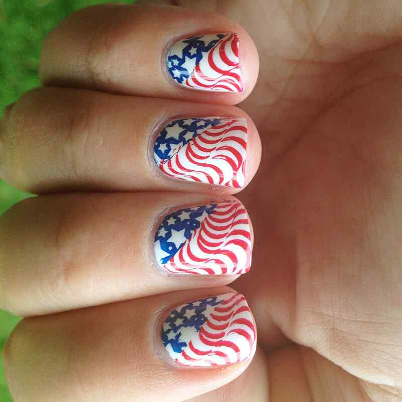 Fourth-of-July-Nails-(3)