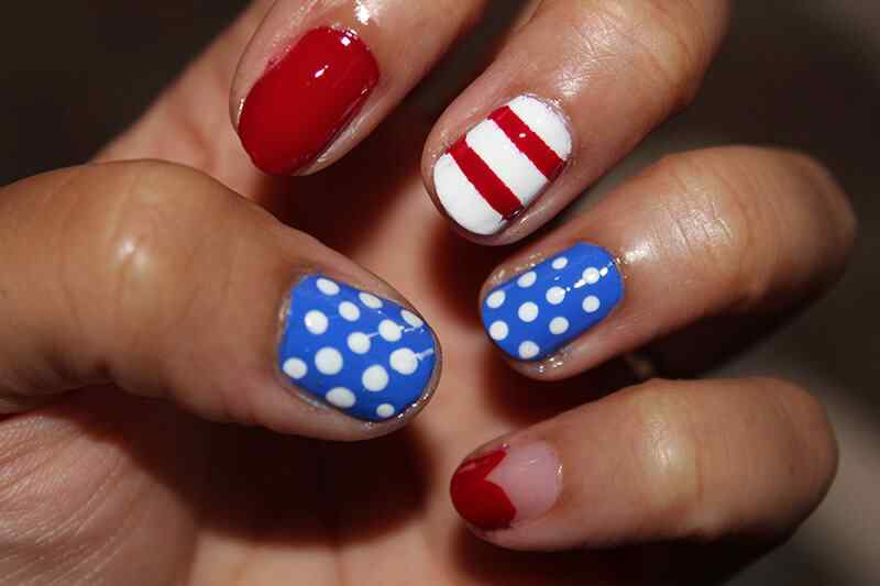 Fourth-of-July-Nails-(6)