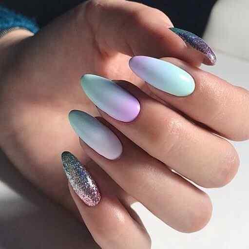 uñas de gel cromaticas