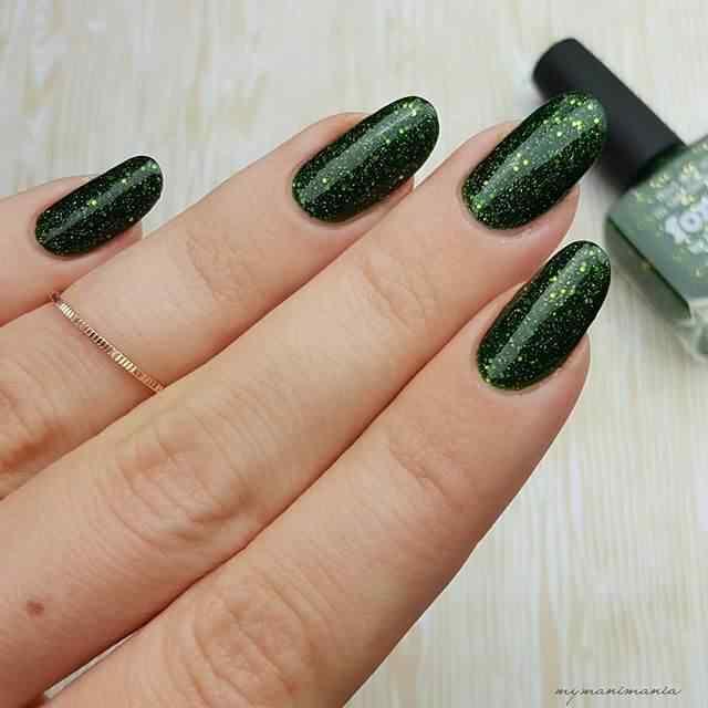 uñas de porcelana verdes