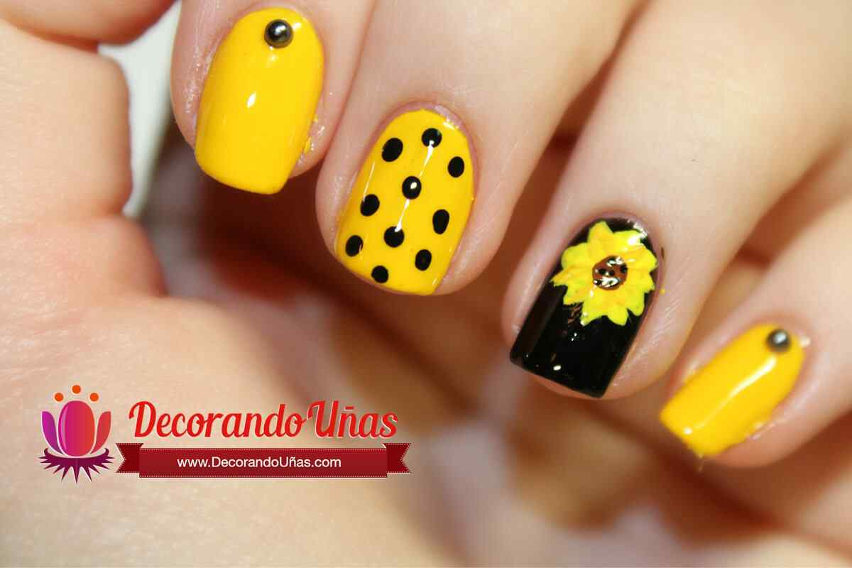 U as decoradas con girasol video paso a paso u as for Decoracion de unas verano 2015