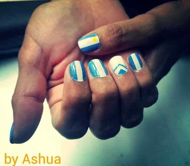 unas decoradas con bandera argentina (3)