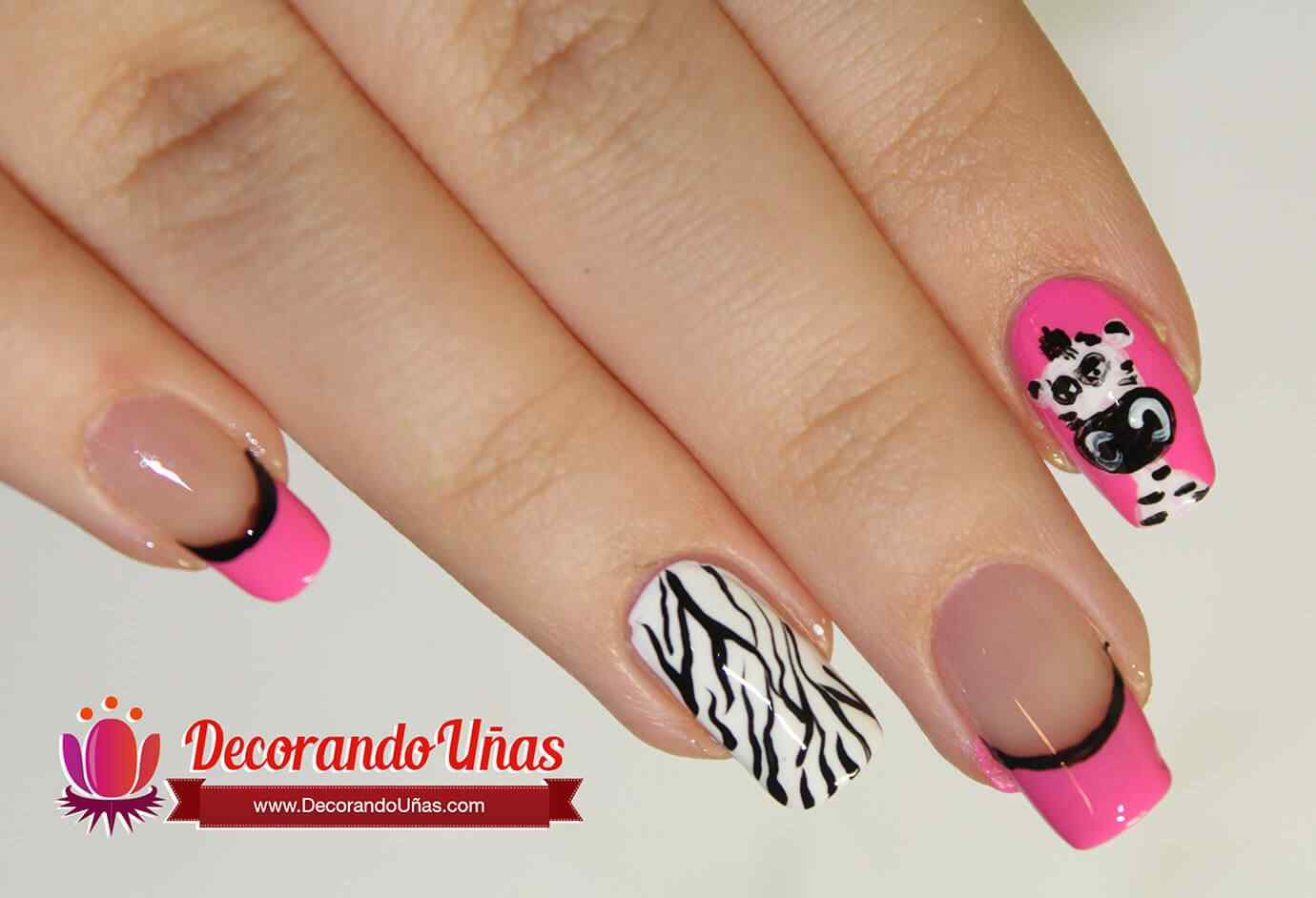 unas-cebra-animal-print