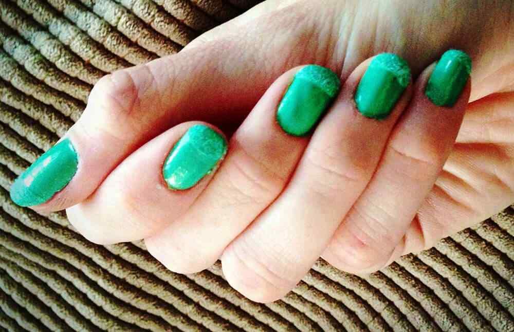 velvet nails (1)