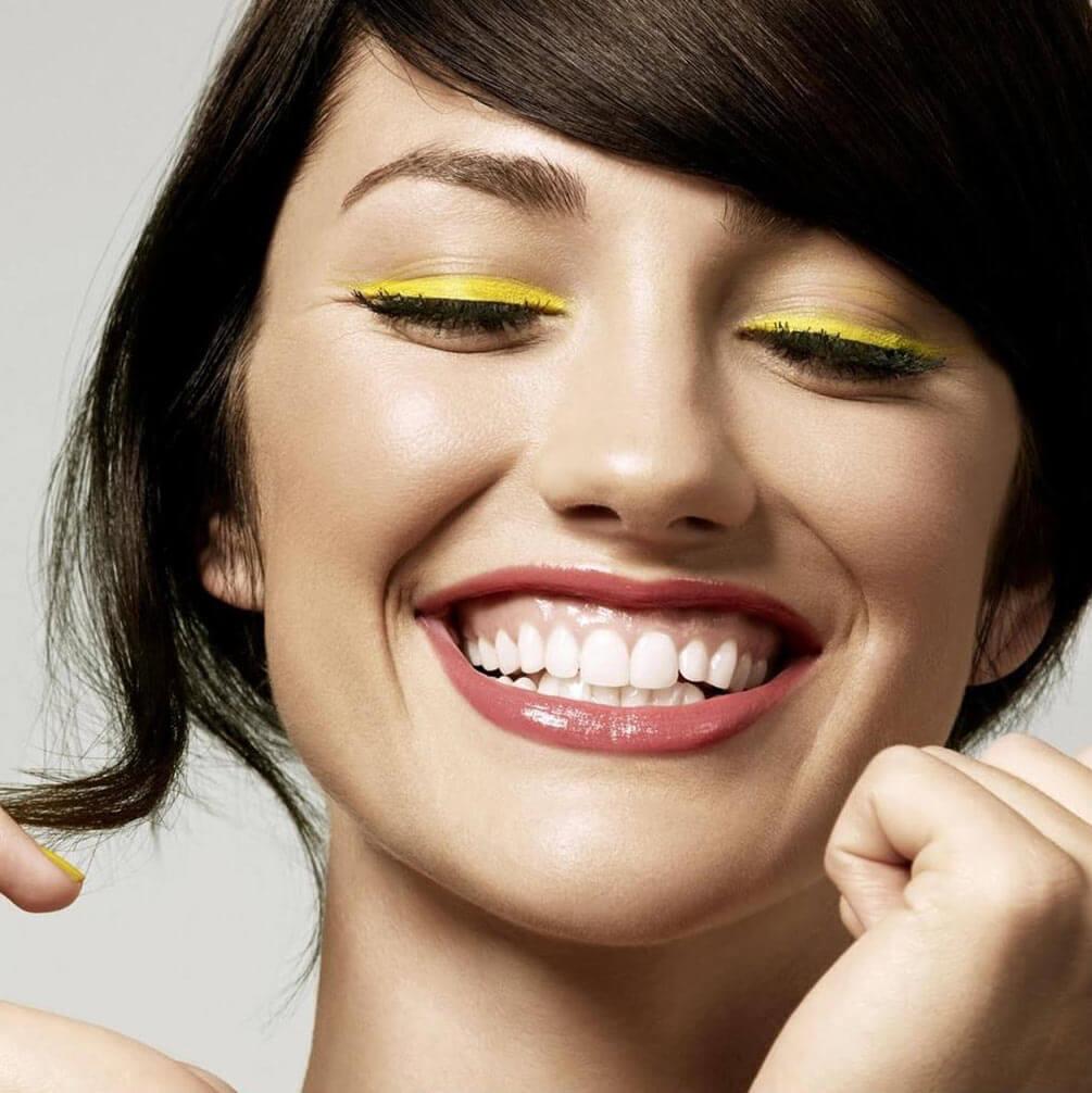 Trendy-Yellow-Eye-minions-Makeup-Idea