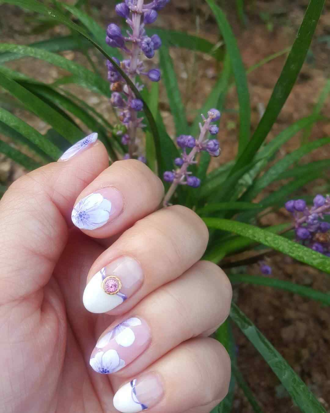 uñas con flores para 15