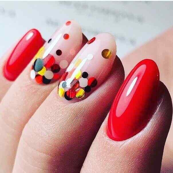 uñas confeti rojas