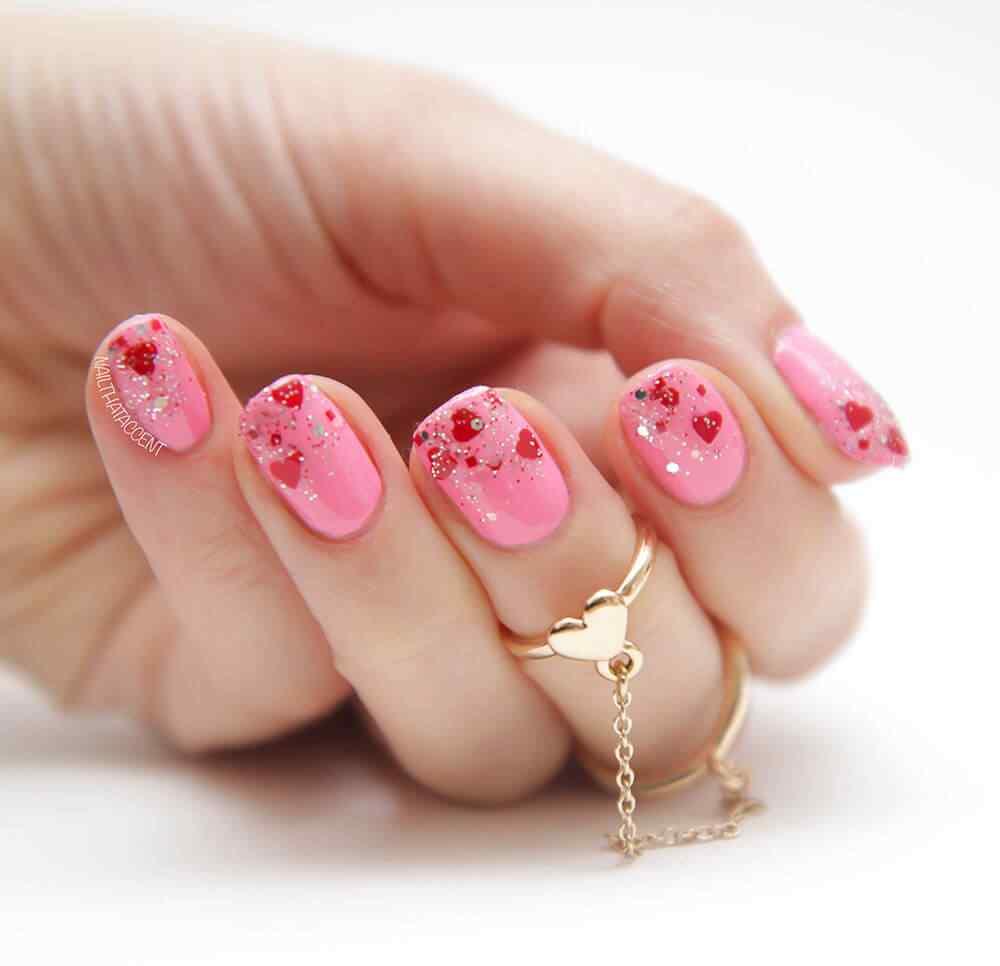 unas pintadas con corazones nail art (6)
