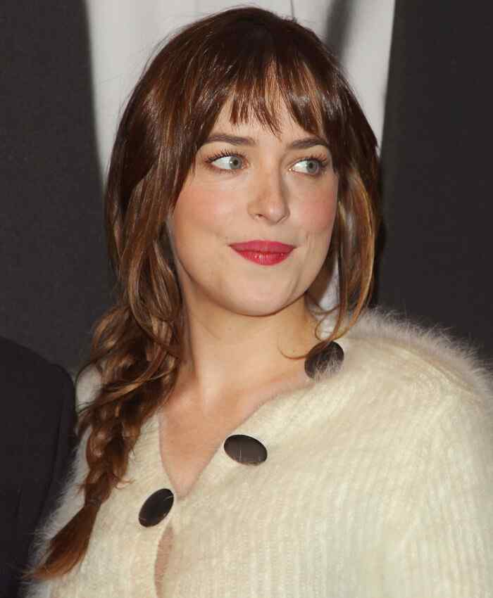Dakota-Johnson-hairstyle