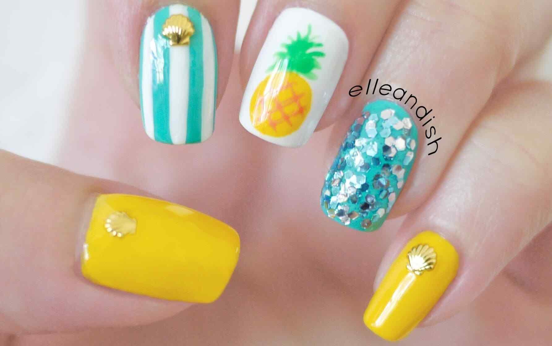 Uñas de verano diseño de piña